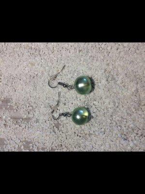 Boucle d'oreille vert clair