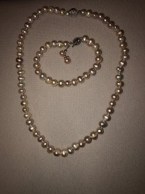 Pearl Necklace dusky pink-pink
