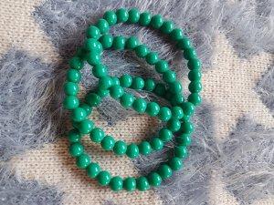 Perlenarmbänder