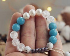 Perlenarmband aus Halbedelsteinen