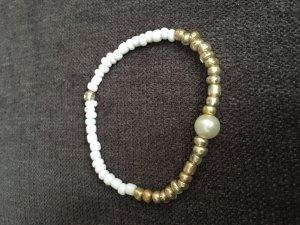 Perlenarmband mit Gummiband