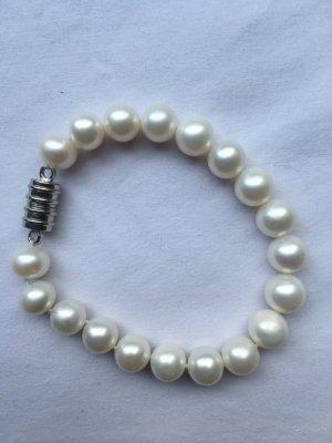 Perlenarmband mit Magnetverschluss