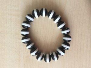 Perlenarmband schwarz weiss