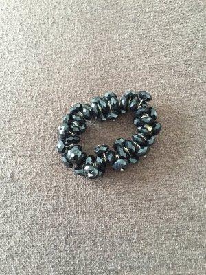 Perlenarmschmuck in Schwarz