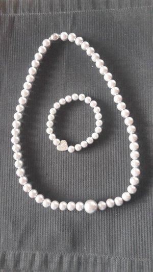 Perlenhalskette und Armband