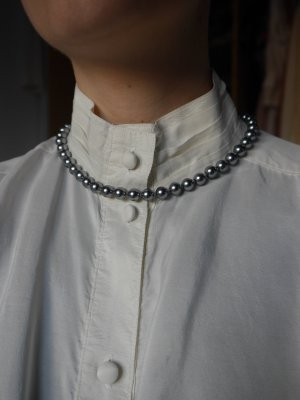 Collar de perlas gris antracita-color plata vidrio