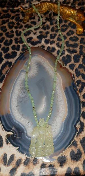 Collar de perlas verde pálido