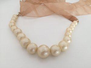 Perlenkette mit Band