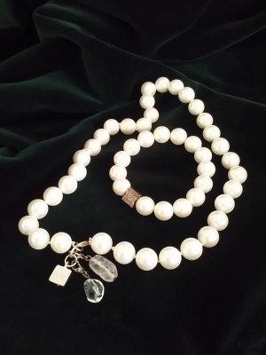 Collana di perle bianco-rosa pallido
