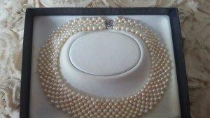 Perlenkette mit Zuchtperlen