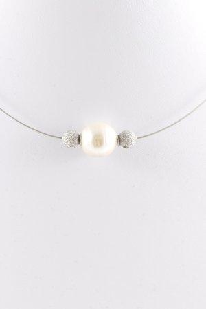 Collar de perlas color plata-crema elegante