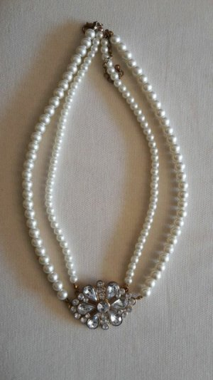 Perlenkette trés chic