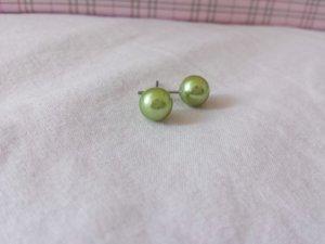 Perlenohrringe in grün / rot