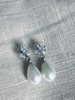 Perlenohrringe mit Stressten, 925er-Silber