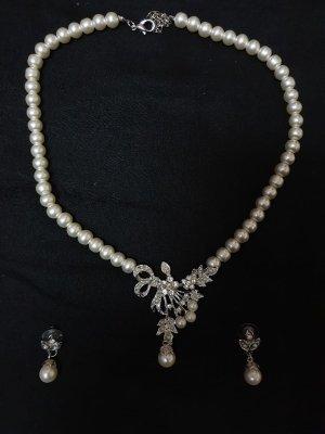 Pearl Necklace white-silver-colored