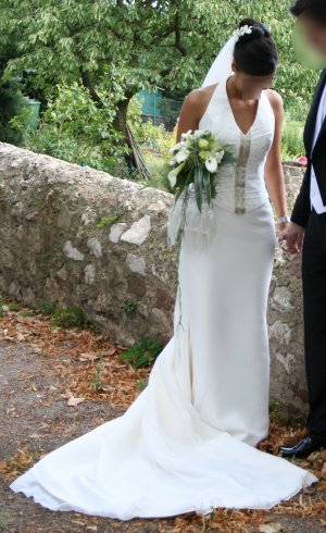 Perlweißes Seidencrepe-Brautkleid (36/38) von Joop