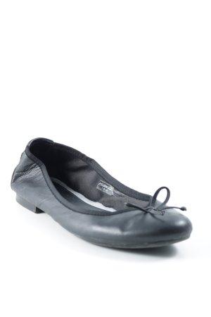 Pesaro Riemchen Ballerinas schwarz Street-Fashion-Look