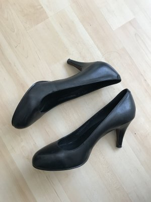 Pesaro Women s Pumps at reasonable prices   Secondhand   Prelved f0c78babf8