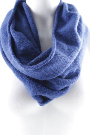 Peter Hahn Rundschal blau schlichter Stil