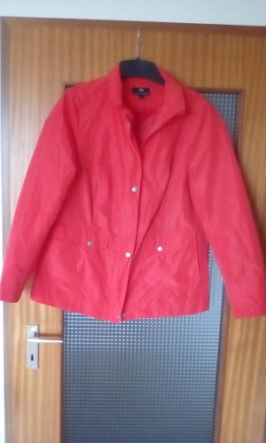 Peter Hahn Raincoat red