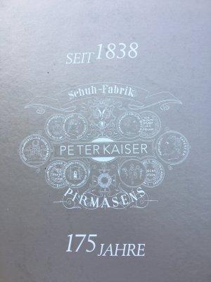 Peter Kaiser Lack Pumps