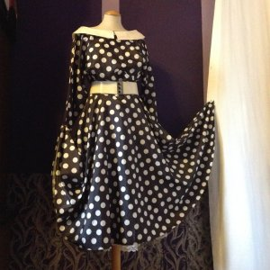 Petticoat Dress black-white