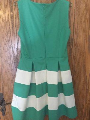 Pettycoat-Ähnliches Kleid
