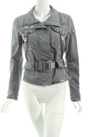 Peuterey Übergangsjacke grau Street-Fashion-Look