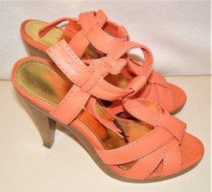 Plateauzool sandalen abrikoos kunststof