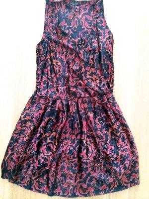PHARD - Satin Kleid mit Wickeloptik mit Paisley Print
