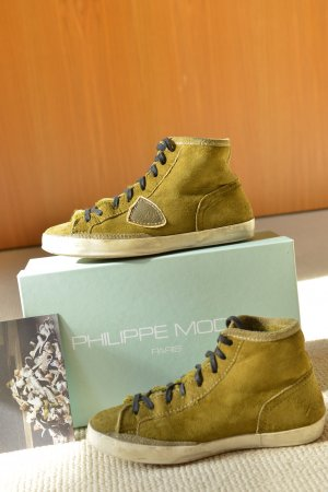 PHILIPPE MODEL 38 Sneakers warm gefüttert Lammfell olivfarben Wildleder