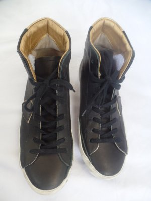 PHILIPPE MODEL Classic High Top Sneaker Black Gold