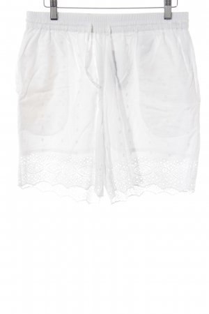 Pieces High-Waist-Shorts white casual look
