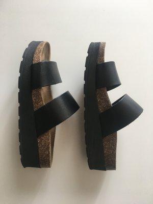 Pieces Sandalo con plateau nero-sabbia