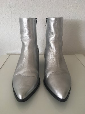 Pieces Stiefelette, silber