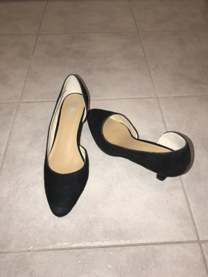 Pier One Pumps