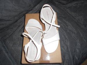 Pierre Cardin- weiße Sandalen Gr. 37
