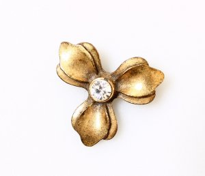 Pilgrim Broche color oro-blanco
