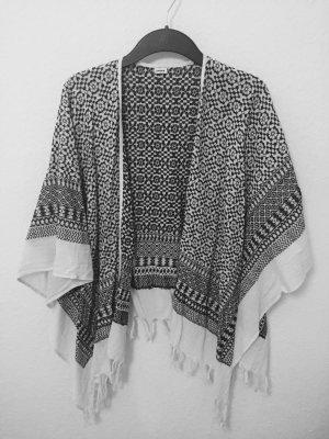 Pimkie Poncho mit schwarz weißem Muster