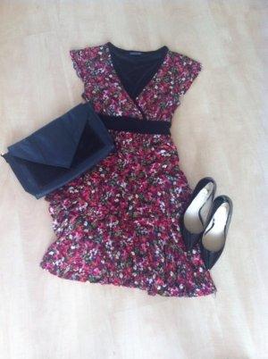 Pink geblümtes Kleid