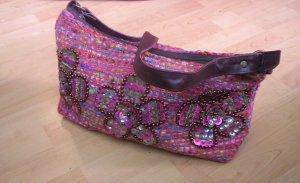 pinkbunte Tasche mit Paillen und Perlen