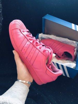 Pinke Adidas Superstars