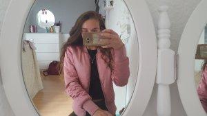 Pinke Bommberjacke von H&M
