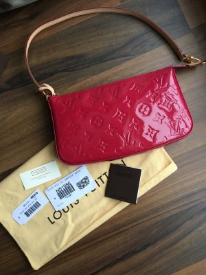 Louis Vuitton Pochette rose
