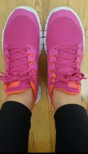 Pinke Nike Free 5.0