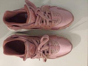Pinke Nike Huaraches