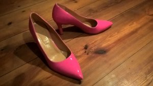 Pinke Schuhe, perfekt für die Feierlichkeiten