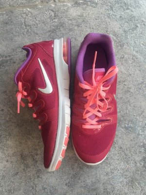 Pinke Sneaker von Nike