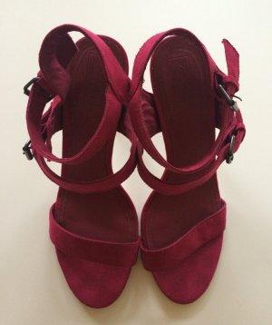 Pinke Stilettos mit Riemchen