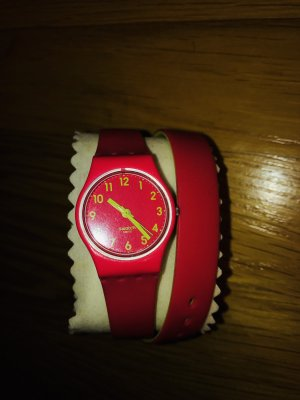 Pinke Swatch Uhr